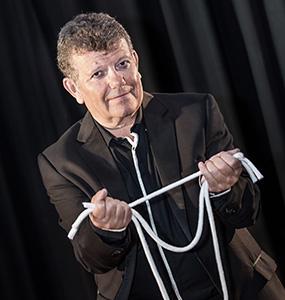 Benoît Couturier Magicien spectacle de scène